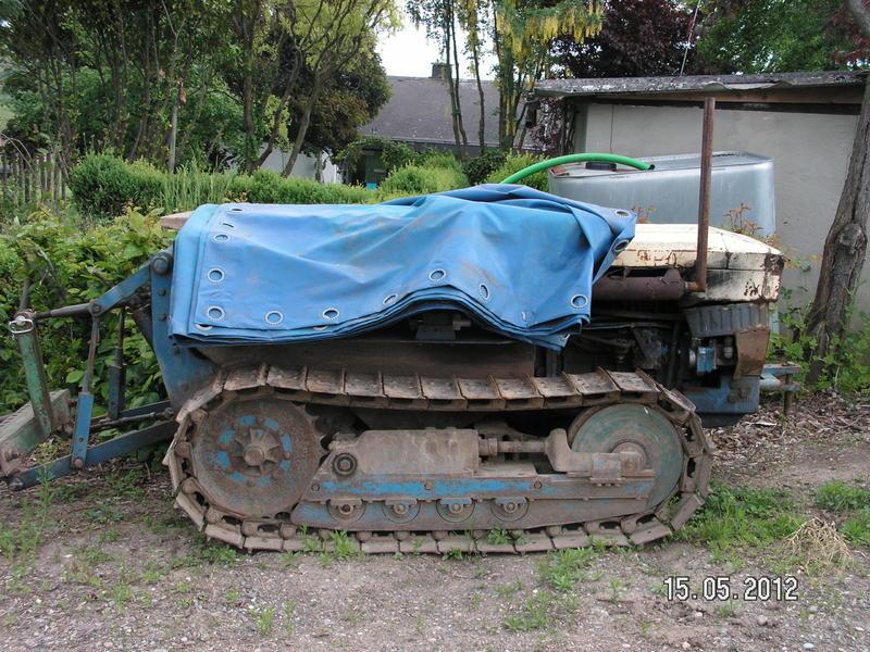 Ein Raupentraktor 26996118er