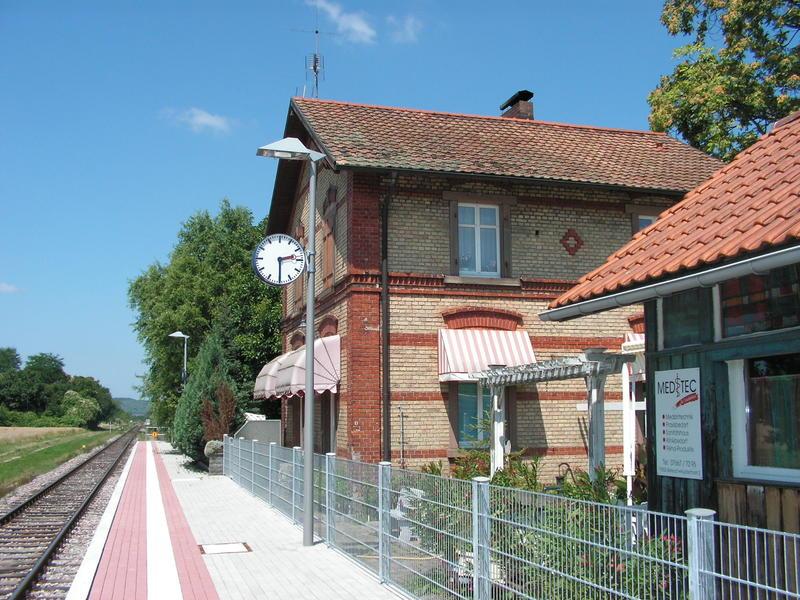 SWEG Bahnhofsgebäude Jechtingen  27185464ty