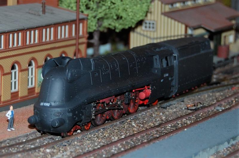 Stromlinienlokomotive 03.10 27417339yv