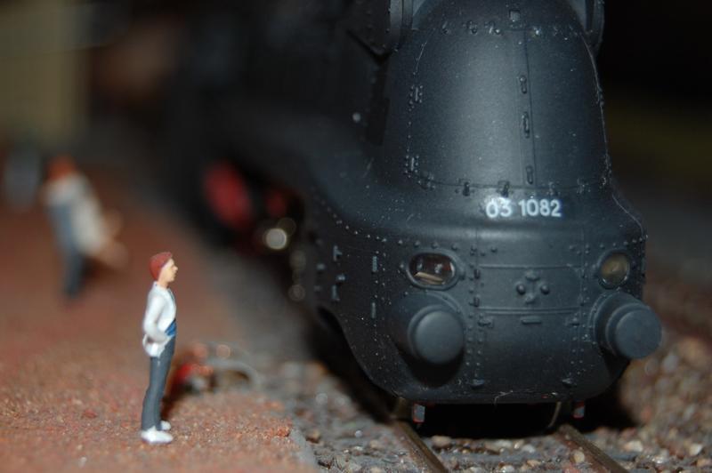 Stromlinienlokomotive 03.10 27417348xj