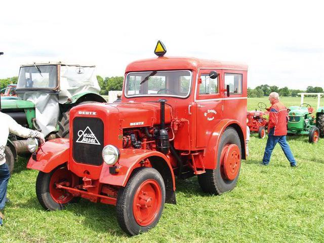 Traktori Deutz Fahr opća tema  27585885zs