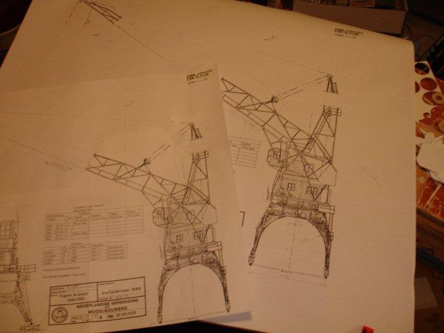 Baustufenbilder eines Hafenkran in H0 27925433gg