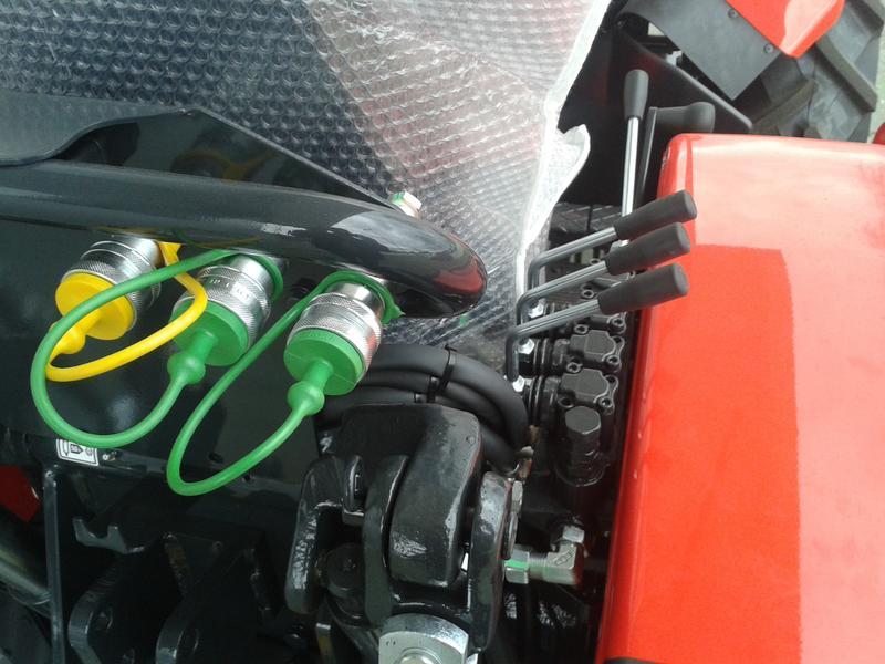Traktori  Antonio Carraro opća tema  - Page 29 28416516at