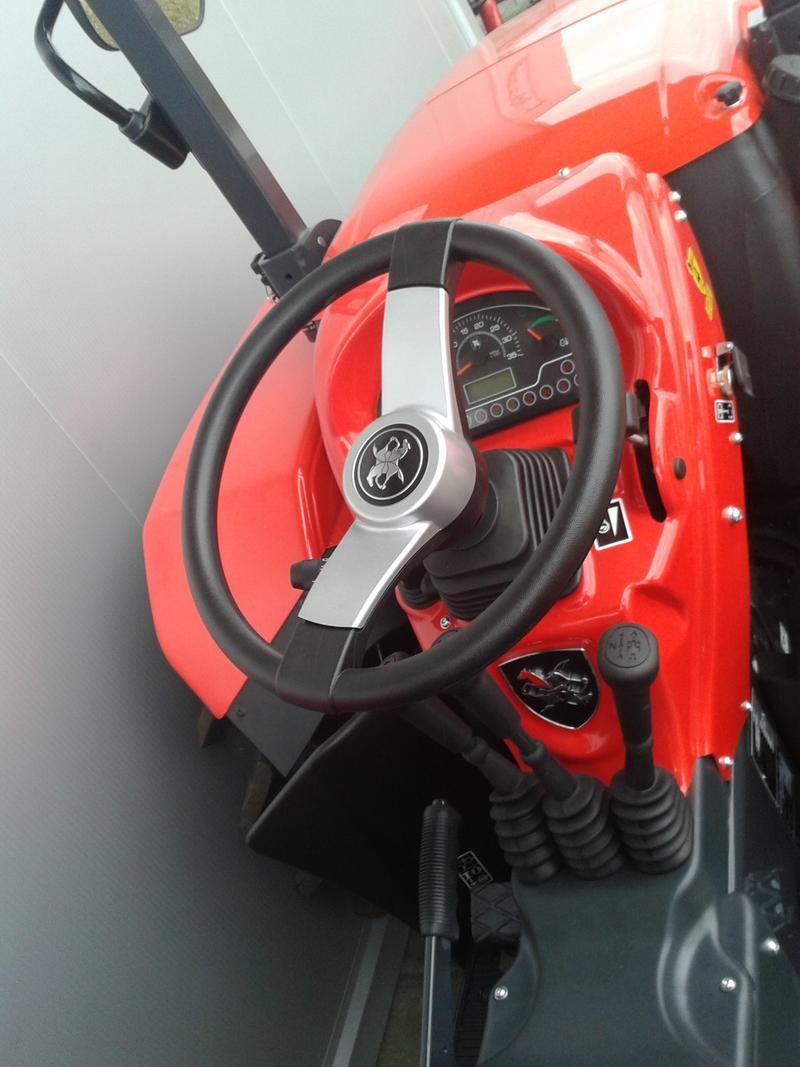 Traktori  Antonio Carraro opća tema  - Page 29 28416521ok