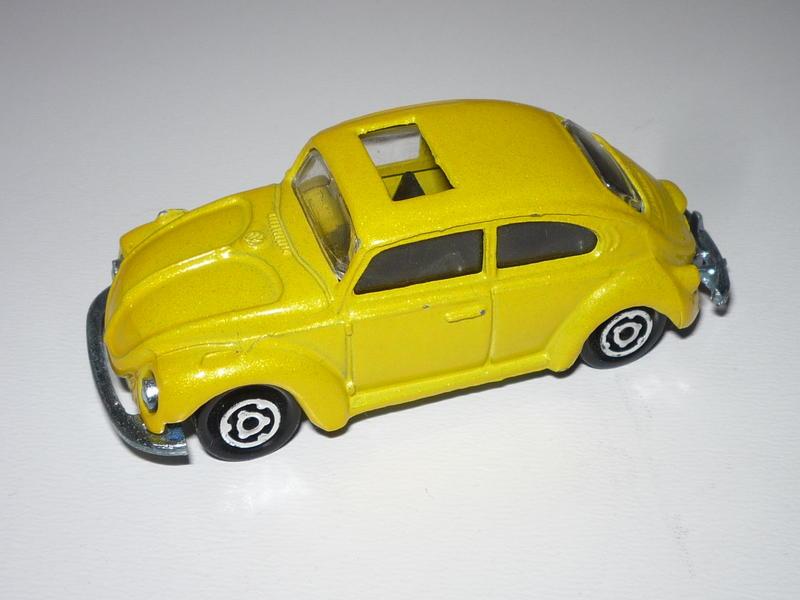 N°203 - Volkswagen 1302 28822360vz