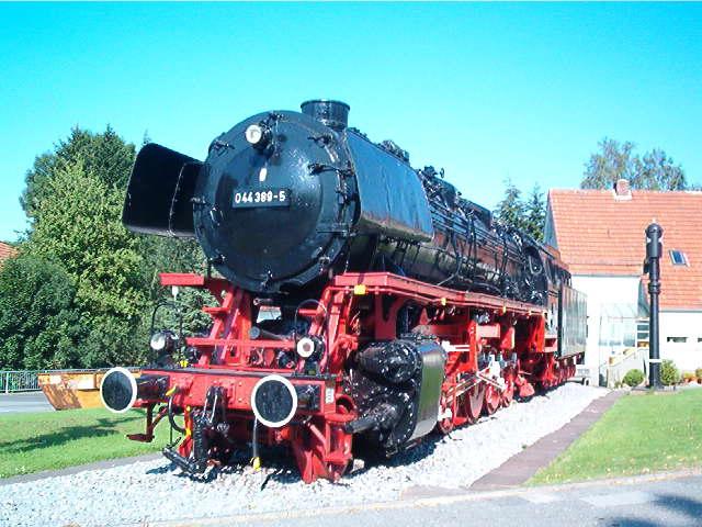 Denkmallok 044 389-5 in Altenbeken (Aug.2004) 29172731qr