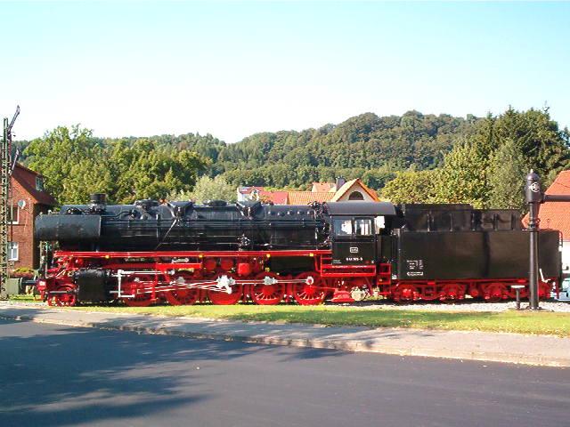 Denkmallok 044 389-5 in Altenbeken (Aug.2004) 29172736sh