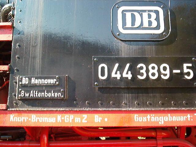 Denkmallok 044 389-5 in Altenbeken (Aug.2004) 29172742cw