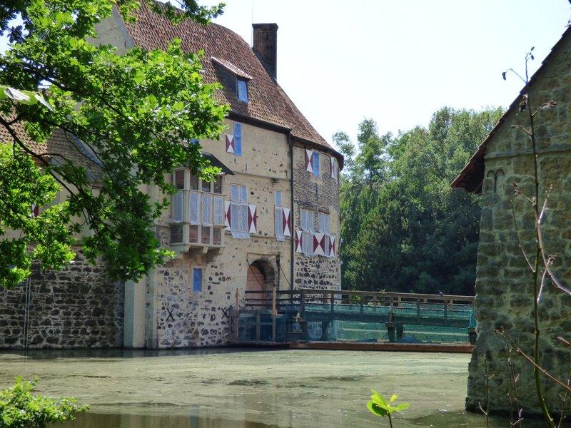 Rundgang um Burg Vischering in Lüdinghausen 29500031vk