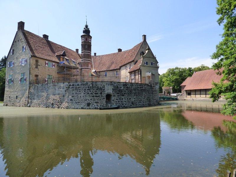 Rundgang um Burg Vischering in Lüdinghausen 29500038tj