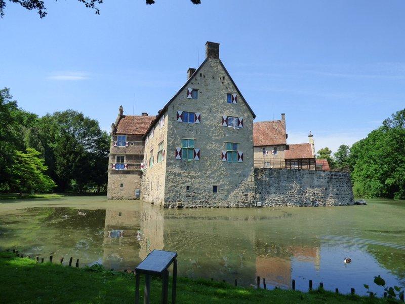 Rundgang um Burg Vischering in Lüdinghausen 29500043wa