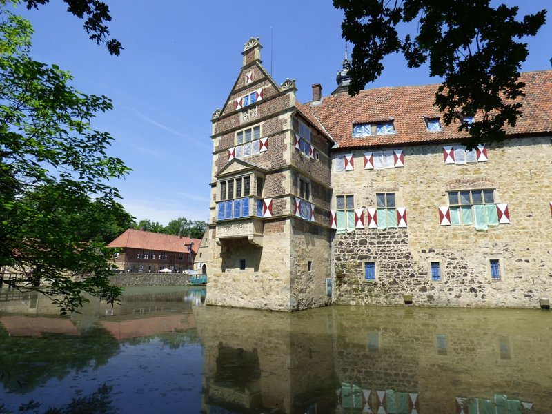 Rundgang um Burg Vischering in Lüdinghausen 29500050sf