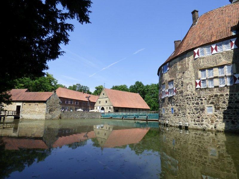 Rundgang um Burg Vischering in Lüdinghausen 29500055ny