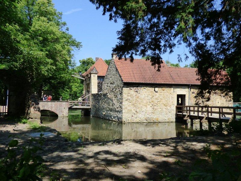 Rundgang um Burg Vischering in Lüdinghausen 29500059ma