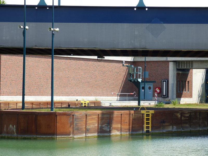 Binnenschiff BARGE / Schreiber 1:100 als RC-Modell - Seite 9 29853048ud