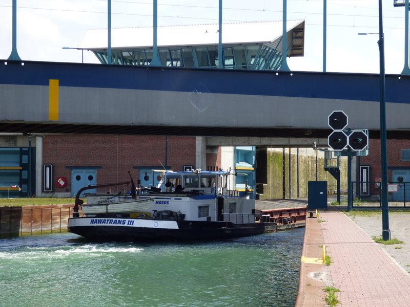Binnenschiff BARGE / Schreiber 1:100 als RC-Modell - Seite 9 29853049tf