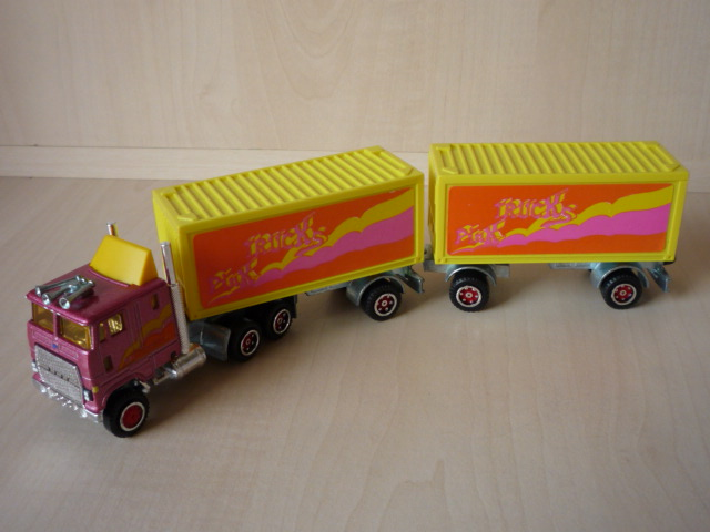 N°607 Ford + Semi Bi-Train Container  ( version lisse ) 3020400