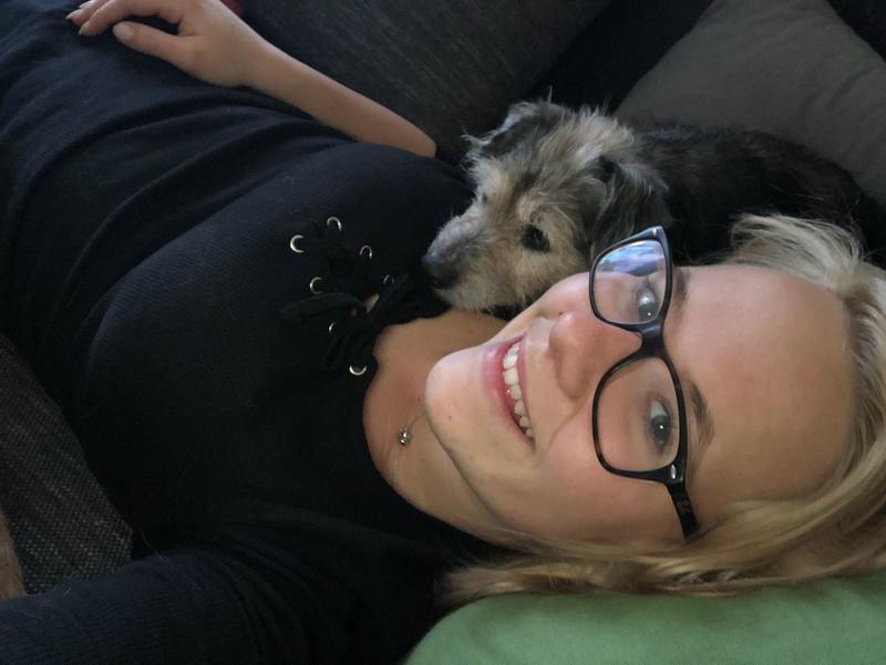 Bildertagebuch- Mathilda, kleine süße Hündin die traurig in ihrem Bettchen lag ...VERMITTELT! 31117435rf