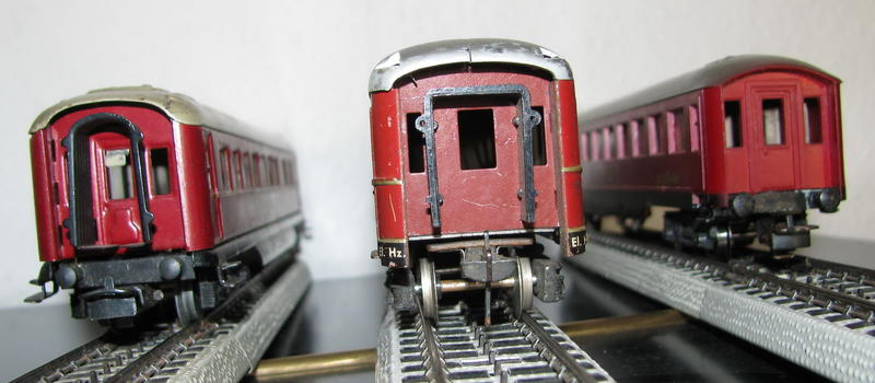 Alte Schürzenwagen im Vergleich 8488301zul
