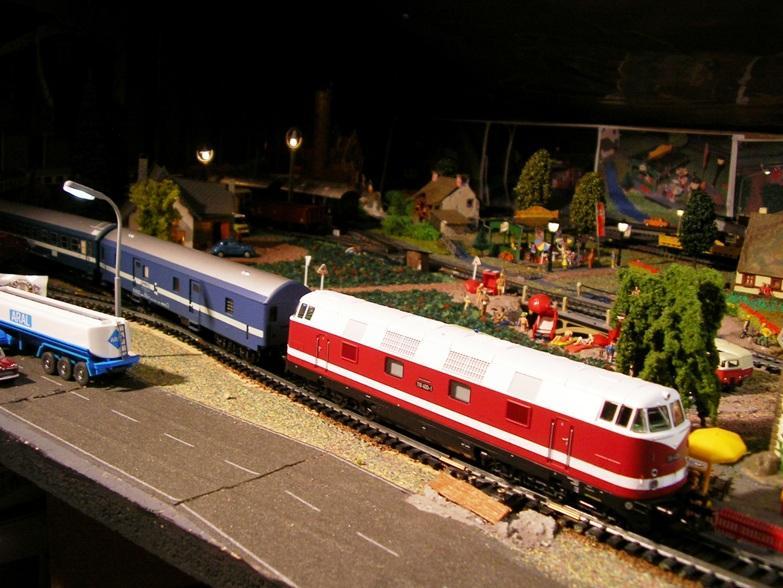 Schnellzugwagen der DDR Fa.Schicht 8709253kyu