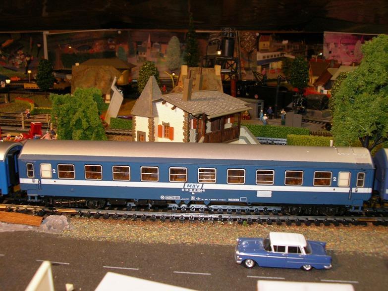 Schnellzugwagen der DDR Fa.Schicht 8709255dlf