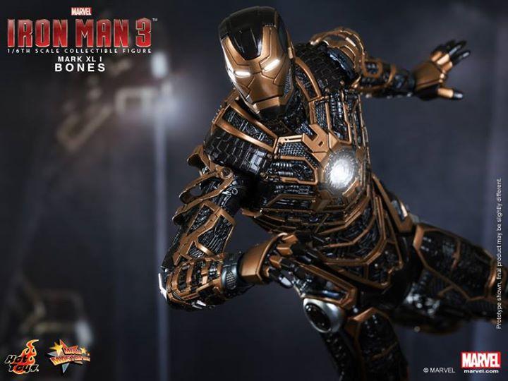 Iron Man 3 (Hot Toys) 155i9
