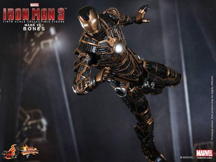 Iron Man 3 (Hot Toys) 8g2i4