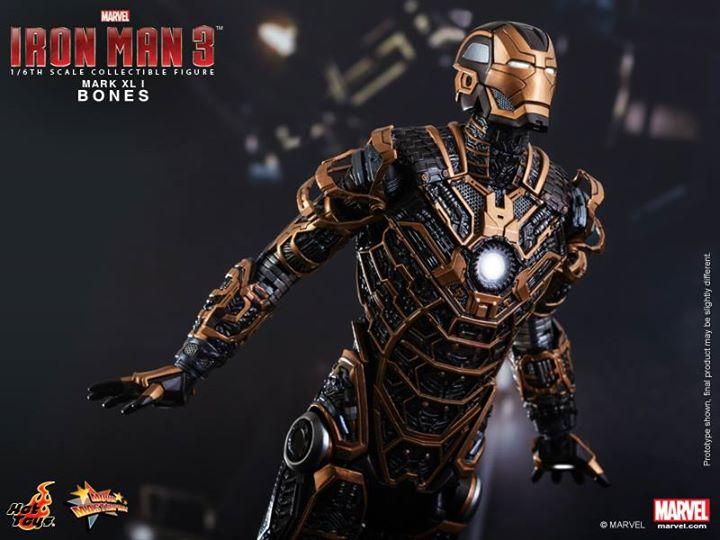 Iron Man 3 (Hot Toys) Nqi11