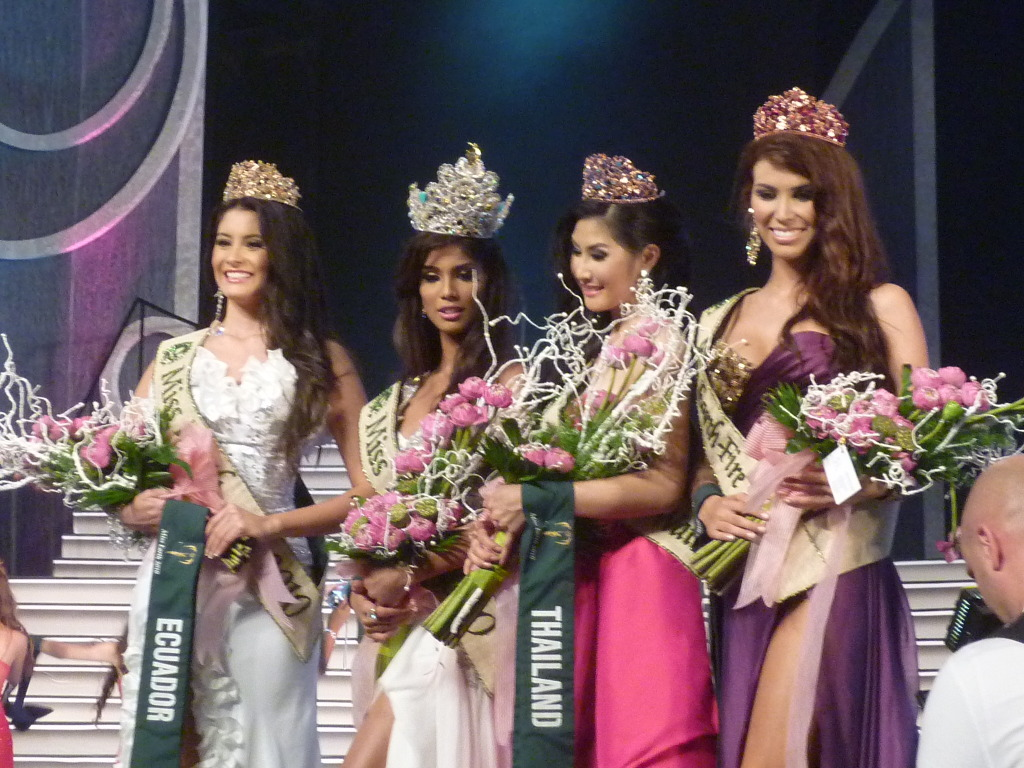 Official thread of MISS EARTH 2010 - Nicole Faria (India) P1040006