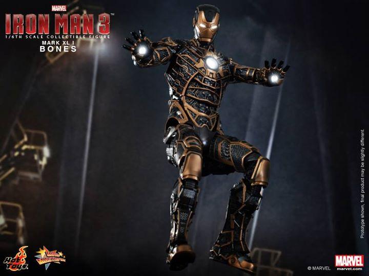 Iron Man 3 (Hot Toys) U51i8