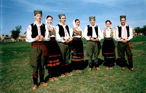 Srbija - Page 2 Srpska_nosnja