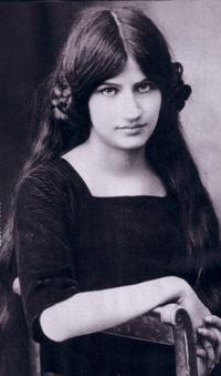 Zanimljivosti i biografije poznatih licnosti Jeanne_Hebuterne_seated