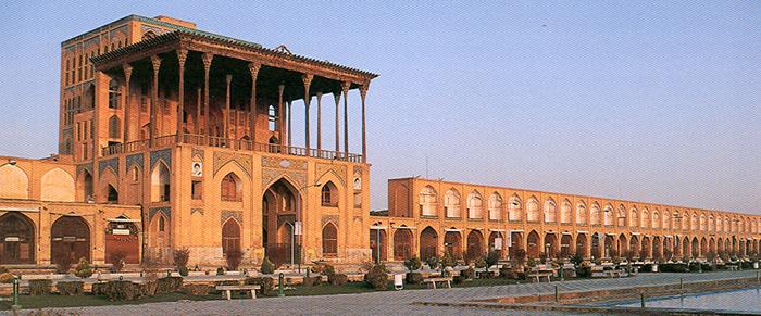 میدان نقش جهان و عالی قاپو Ali-qapu-rooz