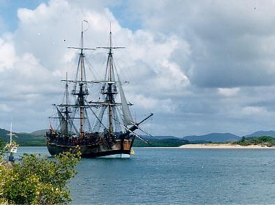 hmb Endeavour 1768       1/120 ème Endeavour_replica_in_Cooktown_harbour