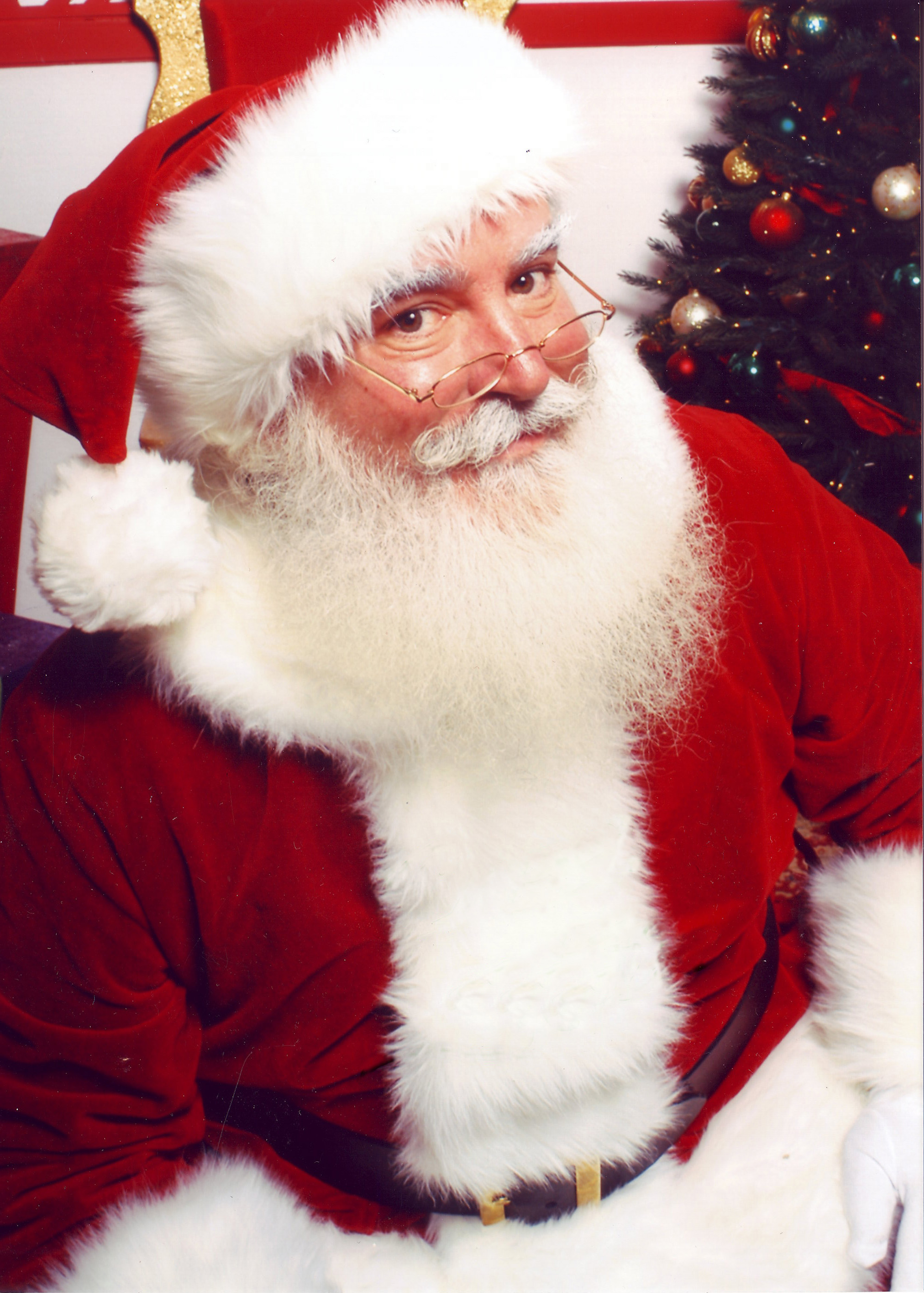 Abeto Espacial [MPN: V] Jonathan_G_Meath_portrays_Santa_Claus