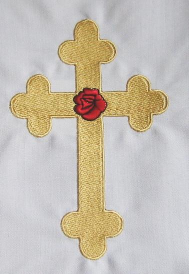 Origins of Rosicrucianism Rose-croix_sur_nappe_autel