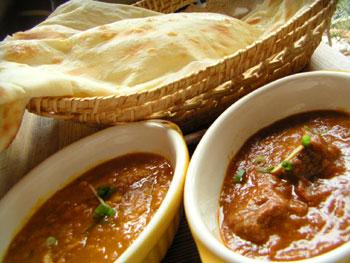 Cuisine et Gastronomie  Indian_curry_with_dosa