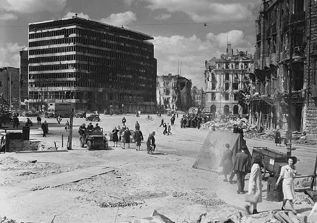 Nemačka Potsdamer_Platz_1945