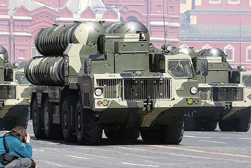ابني جيشك الخاص بأي سلاح تريد  - صفحة 2 MoscowParade2009_7