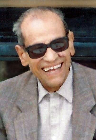 Entre dos palacios – Trilogía de El Cairo I – Naguib Mahfuz  Necip_Mahfuz