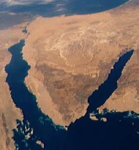 نبذه عن رجل عظيم كان سيصبح رئيس لمصر. - صفحة 2 Sinai_Peninsula_from_Southeastern_Mediterranean_panorama_STS040-152-180
