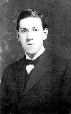 [Literatura] Mega post Lovecraft Howard_Phillips_Lovecraft_in_1915_%282%29
