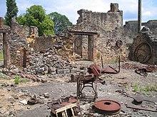 Massacre d'Oradour-sur-Glane 10/06/44 220px-Oradour-sur-Glane-Hardware-1342