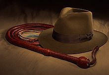 [XP] Charas/Sprites Indiana Jones 220px-Bullwhip_and_IJ_hat