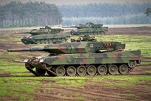 مسابقة الأسئلة العسكرية 2013. إدخل و فوز بجوائز! 300px-Leopard_2_A5_der_Bundeswehr