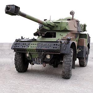 الجيش اليمني 300px-Panhard_AML-90_img_2308