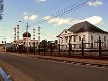 تاريخ سورينام 220px-MoscheeSynagoge