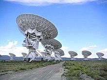 Astronomija 220px-USA.NM.VeryLargeArray.02