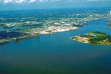 Dimanche 16 mars 220px-Mobile_Alabama_harbor_aerial_view