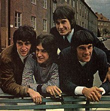 The Kinks 220px-Helmfrid-sofa4_Touched